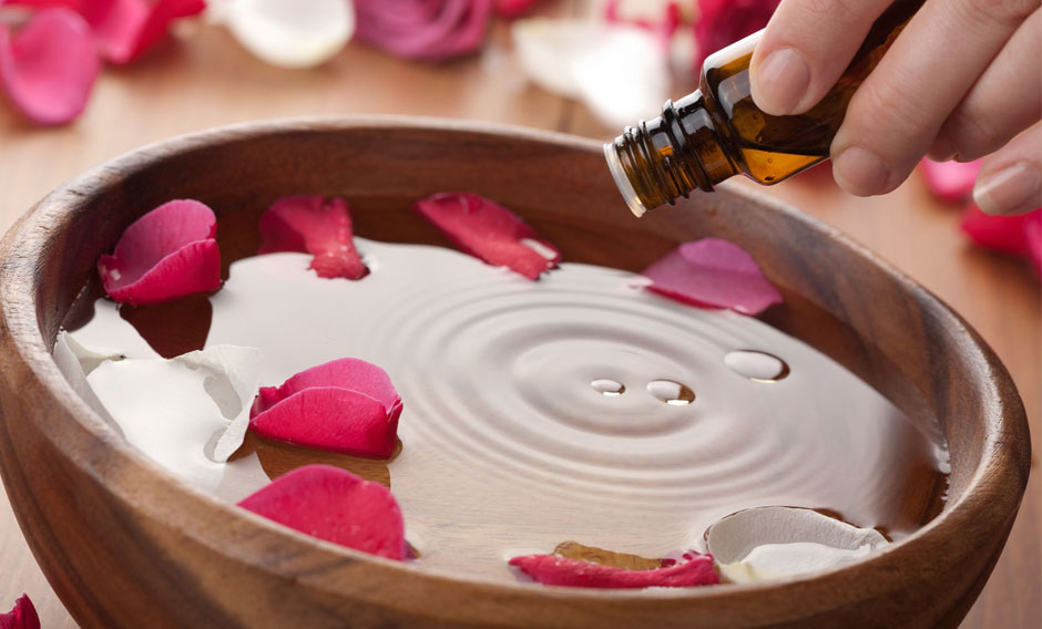 effects of aromatherapy Essential oils are used extensively in aromatherapy and most of these oils are quite strong in nature and can cause side effects if they are not taken in an.